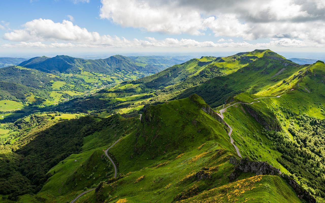 Auvergne volcanoes - Things to do near clermont ferrand