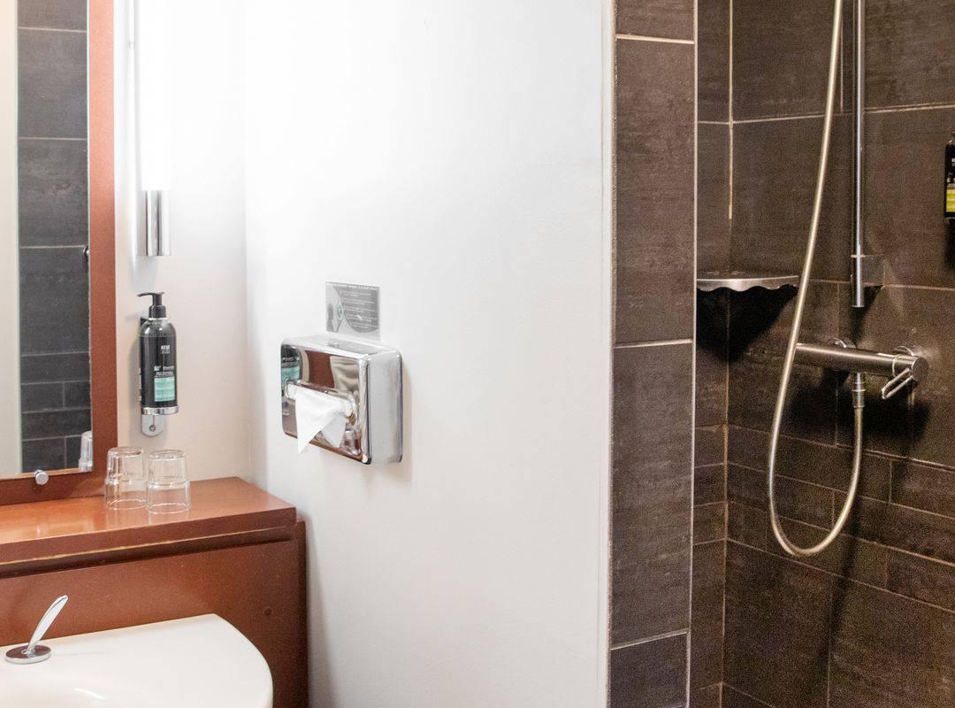 Bathroom - Hotel perignat les sarlieve