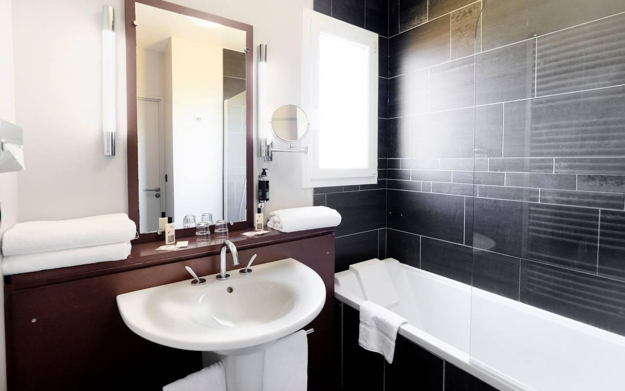 Salle de bain - Hotel Perignat les sarlieve