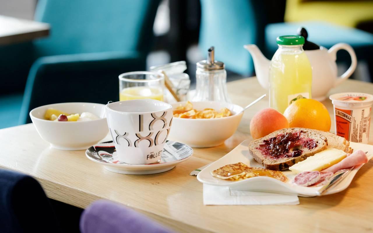 Petit-déjeuner - restaurant le gergovie